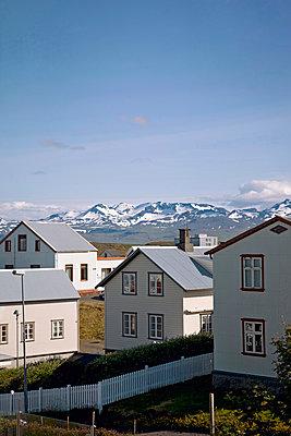 Häuser und Berge - p382m1355423 von Anna Matzen