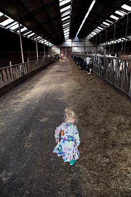 Schickes Kleid - p896m835711 von Anke Teunissen