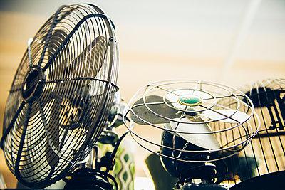 Ventilatoren - p988m1440905 von Rachel Rebibo