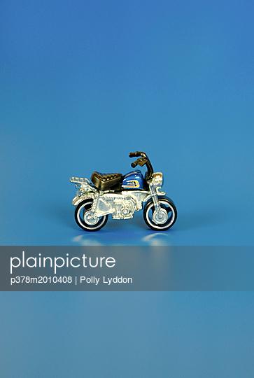 p378m2010408 von Polly Lyddon