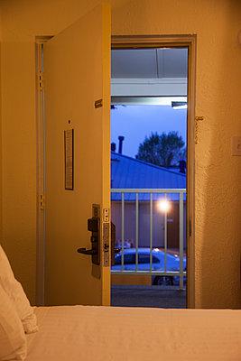 Open door - p1514m2089645 by geraldinehaas