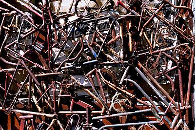 Schrott Fahrraeder - p9790880 von Brinke