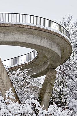 Betonkurve - p1164m1120328 von Uwe Schinkel