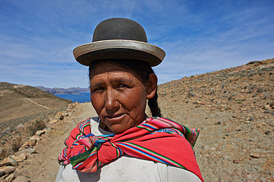 Portrait of Bolivian woman  - p390m1190328 by Frank Herfort