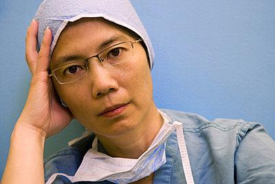 Portrait of a surgeon - p4424473f by Design Pics
