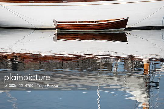 p1003m2214750 by Terje Rakke