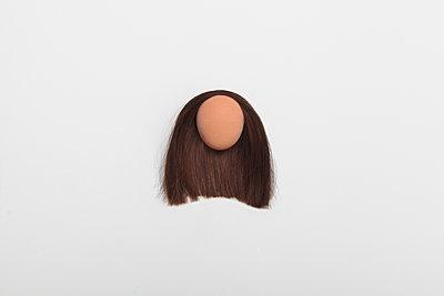 Ei Portrait mit langen Haaren - p1519m2128477 von Soany Guigand