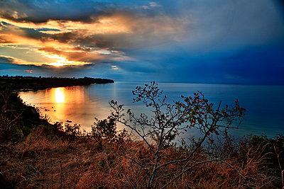 Boltenhagen bei Sonnenuntergang - p179m1467245 von Roland Schneider