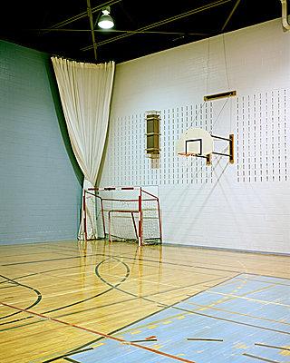 Sporthalle  - p1124m904553 von Willing-Holtz