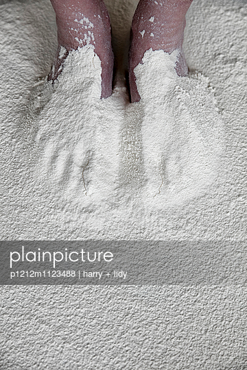 Flour - p1212m1123488 by harry + lidy