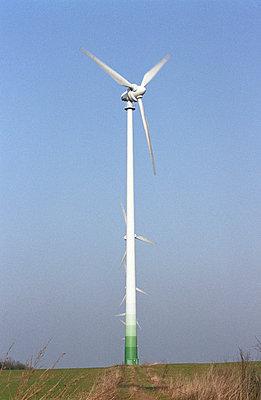Versteckte Windräder - p0890005 von Gerd Olma