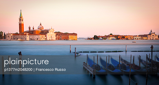 p1377m2048200 von Francesco Russo