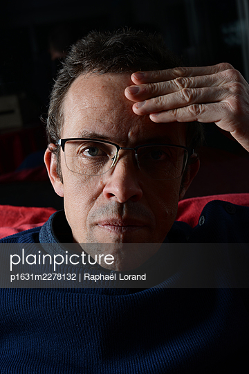 Portrait of a man - p1631m2278132 by Raphaël Lorand