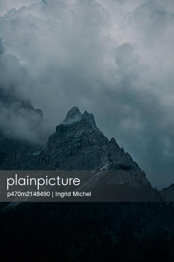 Pale di San Martino mit Wolken - p470m2148490 von Ingrid Michel