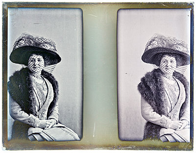 Vintage photographs, ladies with hat, portrait - p265m1487137 by Oote Boe