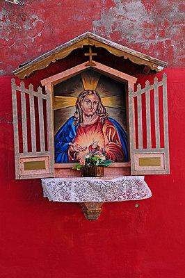 Street altar - p726m2044496 by Katarzyna Zommer