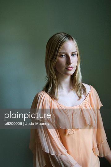 Pfirsichfarben - p9200006 von Jude Mooney