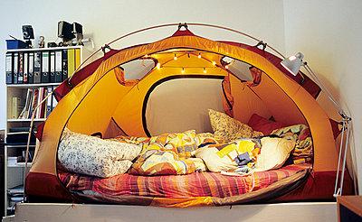 Camping at home - p0970326 by K. Krebs