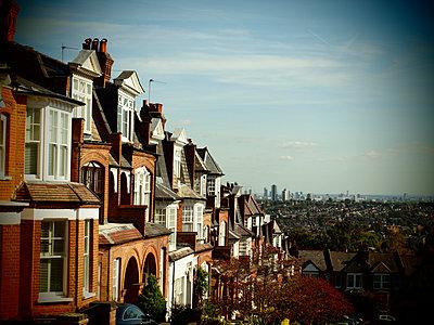 Blick vom Hügel auf London - p132m2026063 von Peer Hanslik