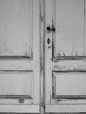 Old door - p444m1041346 by Müggenburg