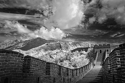 Great wall - p1653m2232296 by Vladimir Proshin