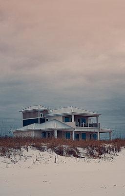 USA, Florida, Navarre, Seaside home - p1617m2278907 by Barb McKinney