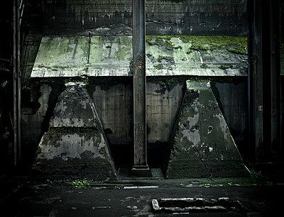 Industrieruine - p416m991153 von Stephan Jouhoff
