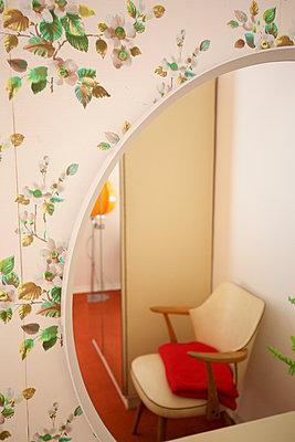 70er Jahre Hotelzimmer - p606m2008399 von Iris Friedrich