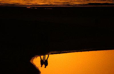 Schatten auf Wasseroberfläche - p2200081 von Kai Jabs