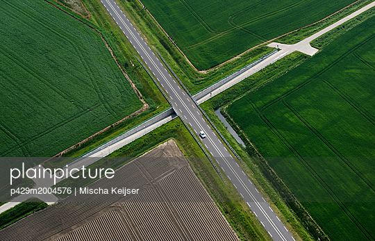 p429m2004576 von Mischa Keijser