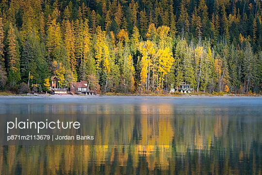 Autumn colours of Lake McDonald, Glacier National Park, Montana, United States of America, North America - p871m2113679 by Jordan Banks