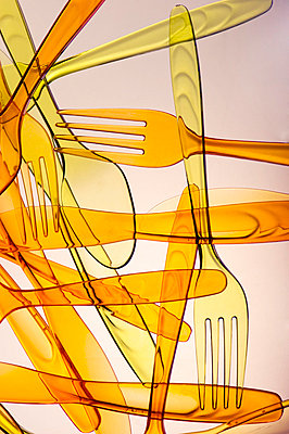 Plastic spoons and forks - p5150259 by E.Coenders