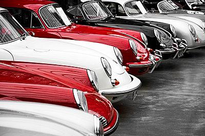 Porsche - p851m1528986 by Lohfink