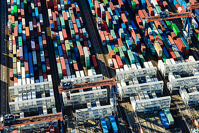 Container harbour - p1120m1042449 by Siebe Swart