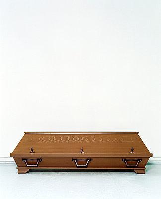 Coffin - p3670006 by Tim Kubach