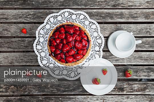 Homemade strawberry cake - p300m1459991 by Gaby Wojciech