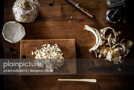 Chopped celery - p1441m2028212 by Benjamin Zibner