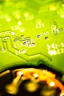 Computer circuit board close-up - p1418m2128704 by Jan Håkan Dahlström