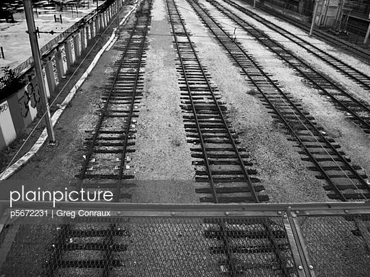 Stillgelegter Bahnhof - p5672231 von Greg Conraux