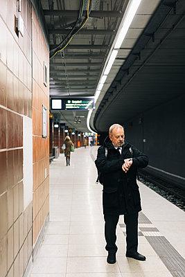 p834m2164452 by Jakob Börner