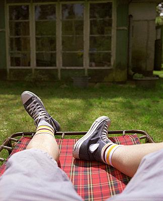 Entspannt im Garten - p3530180 von Stüdyo Berlin