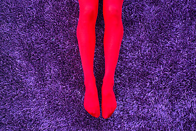 Red tights - p427m865347 by Ralf Mohr