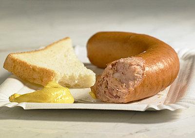 Abgebissene Bockwurst - p5090078 von Reiner Ohms