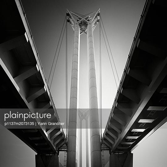 Hängebrücke in Rouen - p1137m2073135 von Yann Grancher