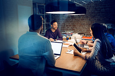 Business people having discussion in conference room - p1166m1087873f by Lumina Images