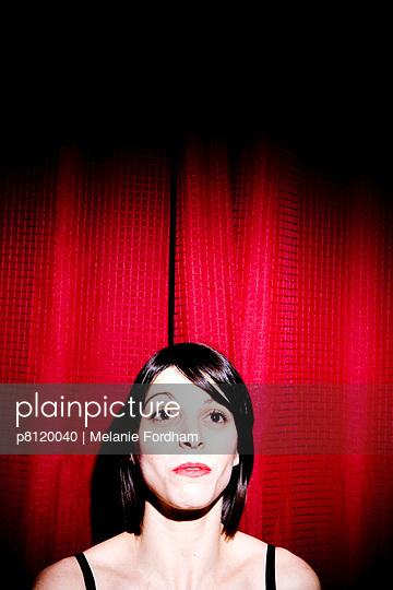 Rot-schwarz - p8120040 von Melanie Fordham