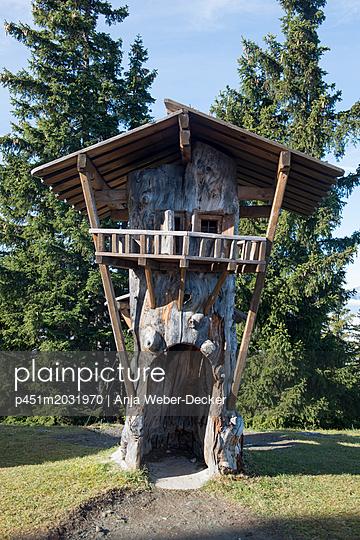 Geschnitzes Miniatur Haus - p451m2031970 von Anja Weber-Decker