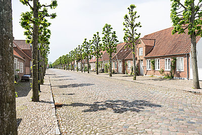 Kein Schatten, Møgeltønder - p310m1190602 von Astrid Doerenbruch