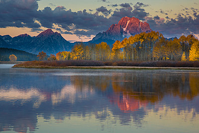Mount Moran above Snake River flats in autumn, Grand Teton National Park, Wyoming - p884m1510101 by Matthias Breiter