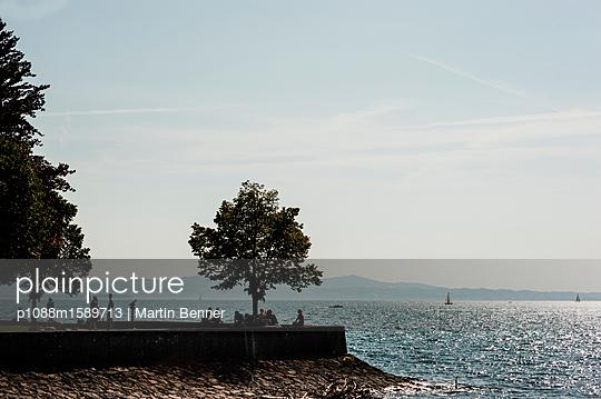 Menschen am See - p1088m1589713 von Martin Benner